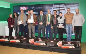 Fundación Eurocaja Rural y Grupo Tello Alimentación distinguen a alumnos del curso solidario cortador de jamón