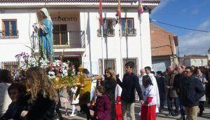 José Manuel Latre acompaña a los vecinos de Pioz en su fiesta de la Virgen de la Candelaria