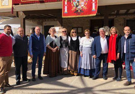 José Manuel Latre ensalza el atractivo turístico de la Feria de Tendilla que atrae a miles de visitantes