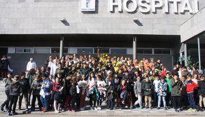 La Asociación Sonrisas despliega a las Fuerzas y Cuerpos de Seguridad en el Hospital de Cuenca para acercar su labor a los más pequeños