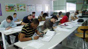 La Escuela de Almadén celebra una jornada para promover la colaboración entre universidad y empresa