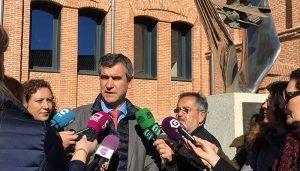 """Román pide a la Junta que rehabilite ya los edificios del Fuerte y """"deje de seguir perdiendo el tiempo"""""""