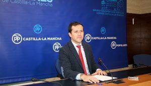 Velázquez denuncia que Page está provocando el desmoronamiento de la sanidad pública de Castilla-La Mancha