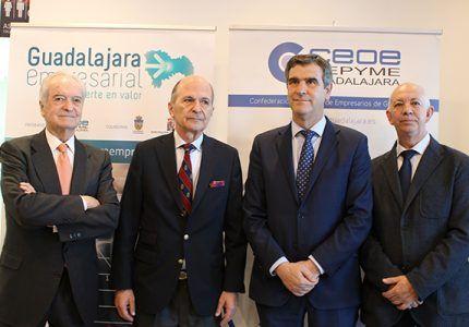 """Carlos Rodríguez Braun inaugura el ciclo de desayunos económicos de 'Guadalajara Empresarial"""" con aforo completo"""