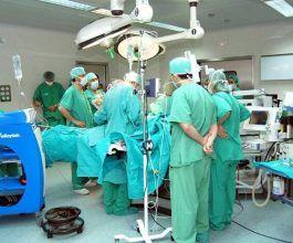 Casi 3.000 médicos trabajan en Castilla-La Mancha como temporales