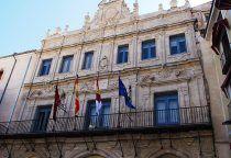 El Ayuntamiento de Cuenca acoge la reunión previa a la entrega de los Premios de la Asociación de Ciudades de la Cerámica