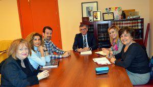 El Gobierno regional se interesa por el proyecto del CEIP 'Federico Muelas' para ser Comunidad de Aprendizaje