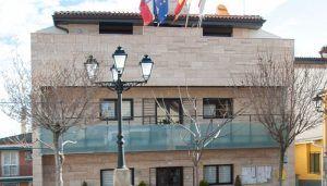 El PP de Yebes y Valdeluz quiere poner fin a la imagen 'vergonzosa' que el alcalde 'viajero' está dando del municipio