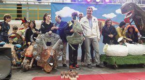 Jurasic Guada gana el Concurso Infantil de Disfraces de Guadalajara al grupo de mñas de tres personas