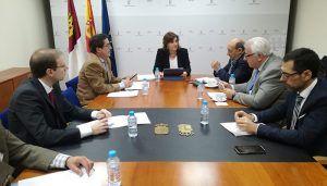 La Federación Regional del Textil traslada a la consejera de Economía las necesidades específicas del sector
