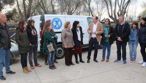 La Junta facilita a la asociación La Camada el traslado de animales con la financiación de un vehículo para su transporte