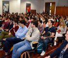 Los universitarios buscan en las Fuerzas Armadas una salida profesional a sus estudios