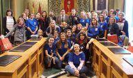 Mariscal recibe a 13 alumnos suecos y sus profesores participantes en un intercambio con el IES Alfonso VIII