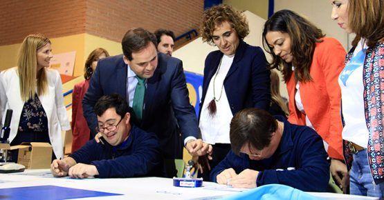 Núñez anuncia una adecuación legislativa para que las personas con discapacidad puedan titularse y darles así acceso al mercado laboral
