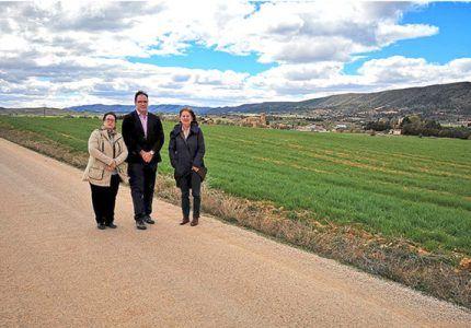 Prieto remarca en Buendía la importancia de los accesos a los atractivos turísticos en el desarrollo de todo destino