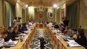 El Pleno del Ayuntamiento de Cuenca aprueba que el campo de fútbol de 'La Bene' lleve el nombre del entrenador Joaquín Caparrós Camino
