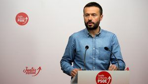 El PSOE se sigue acordando de Cospedal y compara sus promesas con las de Núñez