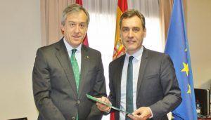 Eurocaja Rural entrega su Memoria Anual al delegado del Gobierno en CLM