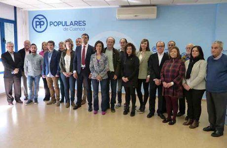 """Luz Moya presenta a una candidatura """"ilusionada por Cuenca"""" con la que el Partido Popular aspira a lograr la mayoría absoluta"""