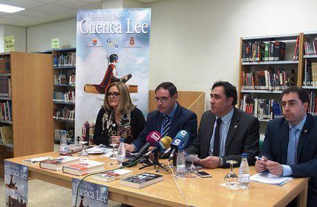 Mariscal destaca el esfuerzo del Ayuntamiento para fomentar la lectura a través de sus bibliotecas municipales