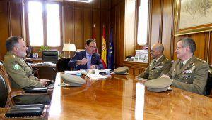 Prieto valora la buena sintonía existente entre la Diputación de Cuenca y las Fuerzas Armadas