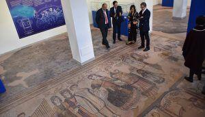 Una exposición muestra los impresionantes mosaicos y esculturas del yacimiento romano de Noheda
