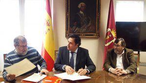 El Ayuntamiento de Cuenca y ADOCU firman un convenio de colaboración por un importe de 19.000 euros