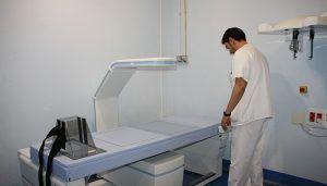El nuevo densitómetro del servicio de Radiodiagnóstico del Hospital de Cuenca comienza a prestar asistencia a los pacientes del área de Salud