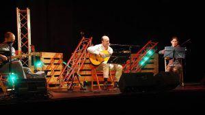 El viernes, 10 de mayo el cantautor, Iñaqui Auzmendi, en el Moderno