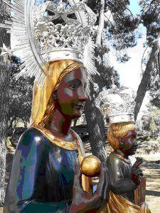 """La Cofradía de la Virgen de la Peña de Brihuega peregrina a la """"Fortis Seguntina"""" catedral de Sigüenza"""