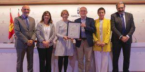 La Gerencia del Área Integrada de Cuenca recibe el reconocimiento por la implantación de certificados de calidad en ocho servicios hospitalarios