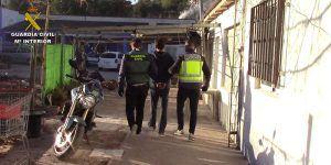 La Guardia Civil detiene a dos personas por lesiones y amenazas con arma blanca y de fuego en Landete