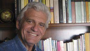 """La RACAL presenta la antología poética """"Leer después de quemar"""" del escritor valenciano Rafael Soler"""