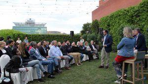 Núñez establecerá una conexión entre Bruselas y los ayuntamientos para que los alcaldes hagan llegar los fondos europeos a nuestro campo, nuestras empresas y nuestros pueblos
