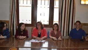 Patricia Franco presume en Belmonte, con la candidata Loiurdes López, de políticas de empleo e incentivación empresarial