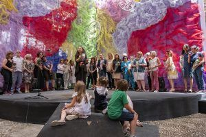 Culmina el Maratón de los Cuentos dedicado a las brujas con más de 1.600 cuentistas en el Palacio del Infantado
