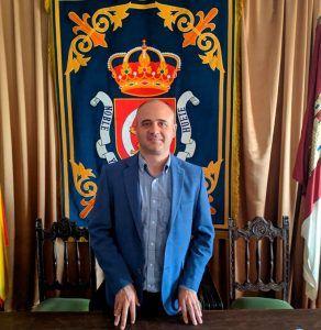 Fernando Romero destaca como hitos de su paso por la Alcaldía de Huete la refinanciación de la deuda y diferentes actuaciones en bienes patrimoniales