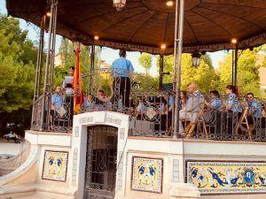 Gran éxito de público en el concierto de música militar ofrecido por la banda municipal de música de Cuenca en el Día de las Fuerzas Armadas