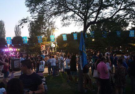 La Fiesta del Bollu de Azuqueca organizada por la Casa de Asturias en Azuqueca reune a más de 1000 personas en el Parque de la Quebradilla
