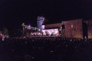 La gala Violas y Luz de Luna hermana a 800 personas de más de 30 pueblos de Guadalajara y Soria