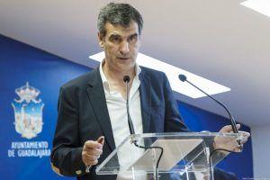 Román acepta el órdago de Cs para ser alcalde y aceptaría renunciar al Senado