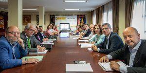Tierraseca preside la sesión de coordinación ante la campaña de incendios forestales