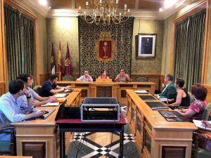 Representantes del Ayuntamiento de Cuenca se forman en el Aula de Contratación Pública de la UCLM