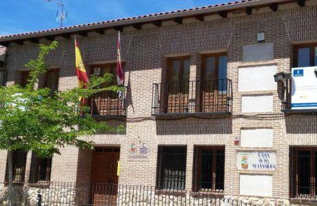 Cuatro detenidos más se suman al alcalde de Fontanar, entre ellos la secretaria y un concejal