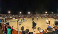 Lleno total para la suelta nocturna de vaquillas en la Plaza de Toros de Cabanillas