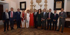 El Gobierno de España, el Parlamento regional y el Poder Judicial trasladan su voluntad de colaboración institucional al presidente García-Page