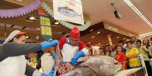 Grupo DIA organiza una exhibición del ronqueo del atún rojo en Cuenca