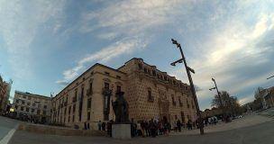 La Plataforma Abraza el Infantado satisfecha con el acuerdo sobre el Palacio, cree un despropósito pagar a la duquesa 853.000 euros