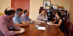 El Gobierno regional y el Ayuntamiento de Puebla de Almenara abordan las necesidades en materia de infraestructuras del municipio