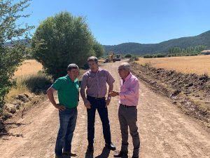 La Diputación de Cuenca y Junta continúan con la rehabilitación de los caminos en la Serranía Alta